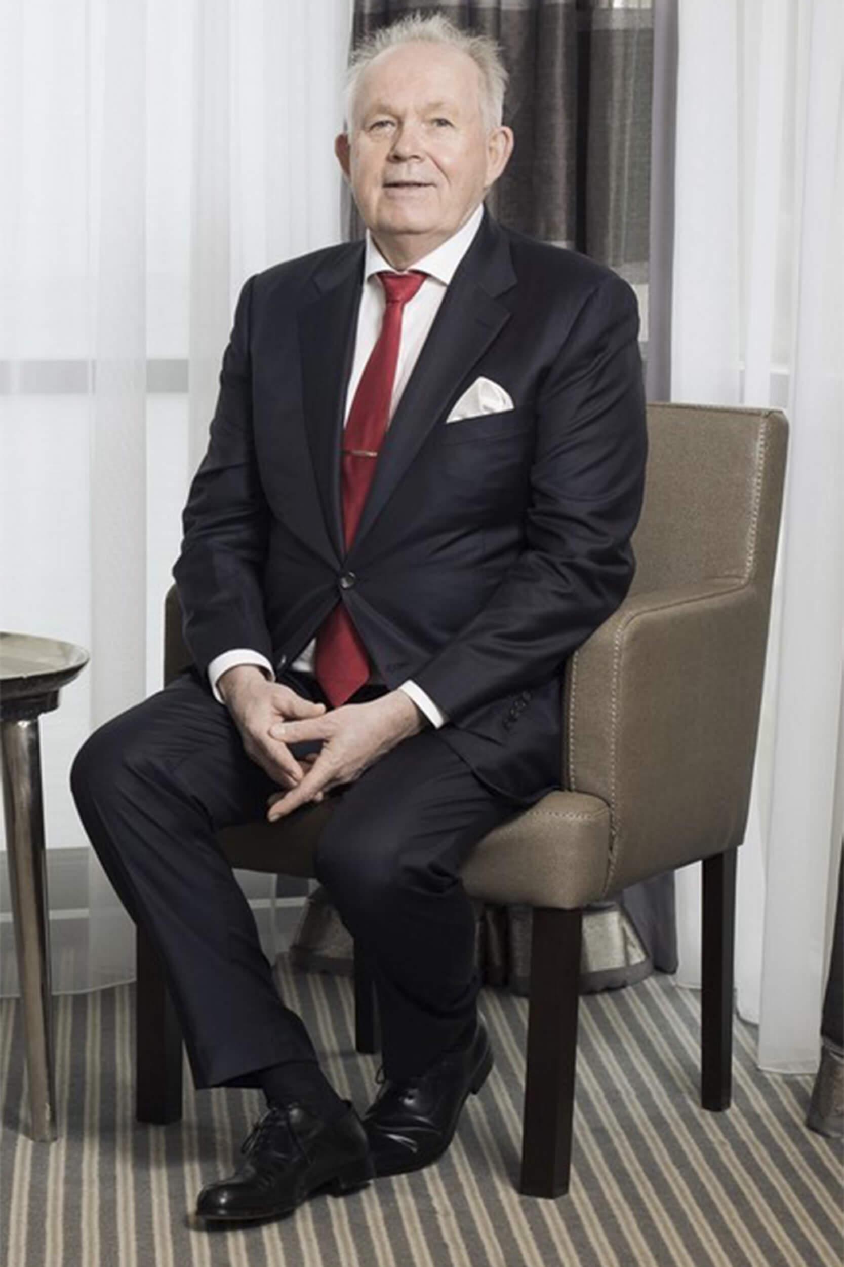Dr. med. Gregor Wiewiorski